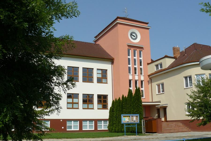 hlavni-budova-1