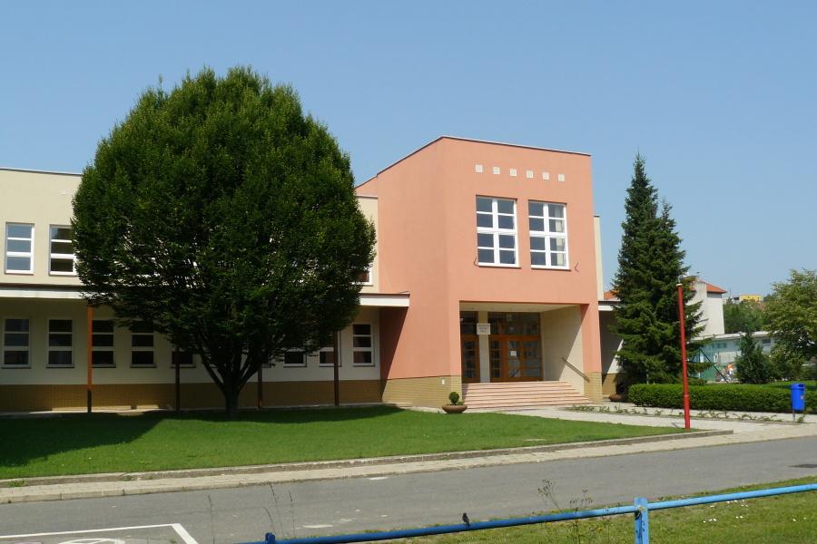 hlavni-budova-2